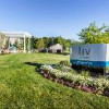 1 bed apartment available 8/28!! (Liv Arbors)